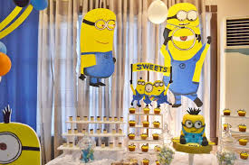 Creative Idea:Cool Minion Table Party Decorations Near White Fabric Curtain  Cool Minion Table Party