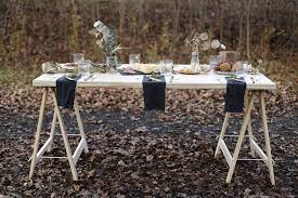 diy sawhorse leg plywood table themerrythought