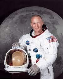 Buzz Aldrin - Wikipedia
