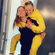 Deibler earns shanghai bid with national record, biedermann falls short in 400 free on day 4 in germany Jojo Siwa S Girlfriend Celebrates Birthday With Message To Soulmate Italia News Today