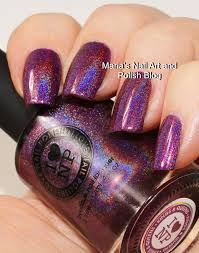 ilnp i love nail polish kings queens old bottle and logo is one of the ultra holos and it sure is just that in the sun it s super strong