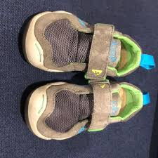 Plae Youth Size 6 Schoes