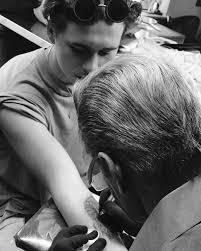 Tydencz David Beckham Vybral Synovi První Tetování