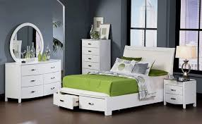 Nightstand And Drawers And Furnished White Bedroom Furniture ...