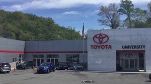 facility tour with the university toyota s staff