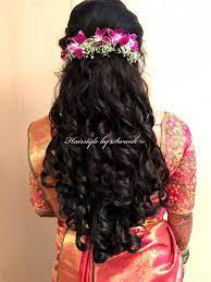 Romantic, modern, and impossibly pretty, it's one of those. Reception Hairstyle By Swank Big Curls Hairstyle With Fresh Orchids Bridal Hair Bridal Si Hair Styles Bridal Hairstyle Indian Wedding Indian Bride Hairstyle
