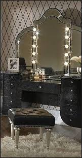 Hollywood style lighted Vanity Set. Enliven your shabby chic bedroom ...