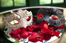Decorating Masquerade Masks masquerade wedding decorations Google Search Theatre things 41