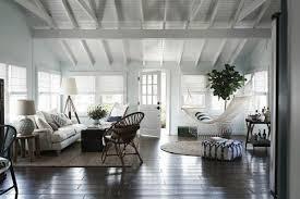 Innendesign Ideen Wohnzimmer Entspannungsecke Haengematten Sitzkissen  Teppich Rattan