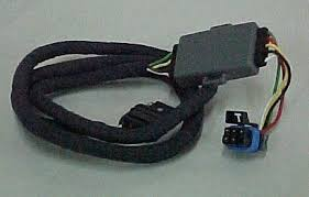 amazon com gm 12498307 trailer wiring harness includes 7 pin gm 12498307 trailer wiring harness includes 7 pin round to 4 pin flat adapter 7 way female connector w leads 7 way round receptacle w door and wiring