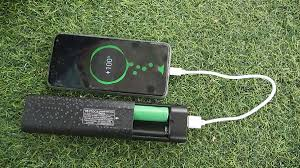 Mua Ngay (Chưa Pin)Box Sạc Dự Phòng 2 Cell Bestoca Kiêm Đèn Pin Q2 Đa Chức  Năng-Hàng chính hãng