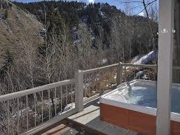 Luxurious single family, hot tub, pool summer, free door to door ...