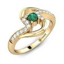 Simple Emerald Ring Design Delicate And Feminine The Shanas Emerald Ring Is A Simple