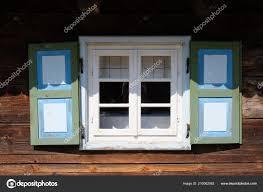 Weiße Fenster Des Alten Holzhauses Stockfoto Roobcio 210062062