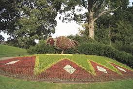 Sculpture végétal  - Page 3 Images?q=tbn:ANd9GcQlxWCUSXqTF3msIPG73_GTvopRsZgV_yBwBVvFzGqGbaVX1hFt