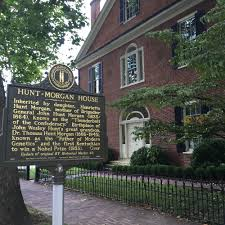 1801   John Wesley Hunt pioneers the manufacture of cotton bagging made of  hemp fiber