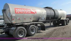 vehicles and equipment auction in girard kansas by purple wave 1970 fruehauf insulated tanker trailer