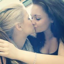 Real teens kissing blog