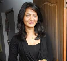 hka shetty is one of the most por south actress she gained pority in bollywood because of her film baahubali and her chemistry with prabhas is
