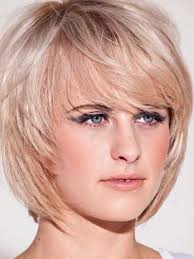 short light vine messy bob layered bob hairstyles 23