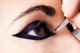 our favorite eyeliner tips 4 applying a colored liner is good eyeliner tip even if you re a beginner