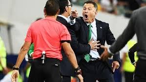 Resultado de imagem para expulsão do treinador do México na final da taça das confederações
