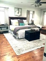 5x8 rug under queen bed rug under queen bed what size area rug under queen bed