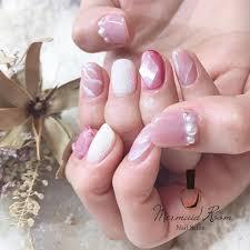 あれなんか大人っぽくなった透明感のある上品な春のピンクネイル10