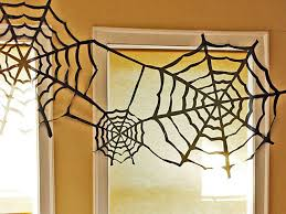 How To Make A Giant Spider Web Outdoor Halloween Decorations For Kids Hgtvs Decorating