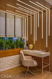 Diseñador y decorador de interiores, estudió en la escuela de interiorismo de barcelona. Rio De Janeiro Design De Iluminacao De Interior Sala De Design Design De Teto Falso