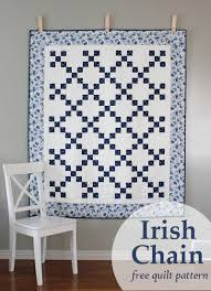 A Bright Corner: Irish Chain Quilt and Faded Memories Blog Tour & Irish Chain quilt - a free quilt pattern from A Bright Corner Adamdwight.com