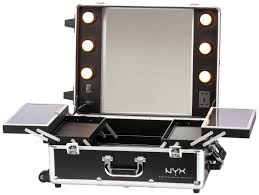 amazon nyx makeup artist train case with lights extra large black