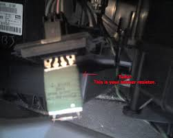 how to repair a jeep gc heater resistor how to repair jeep grand you can see the red resistor where it burnt out some viewers have commented that their wire harness was melted there are four wires one for each speed
