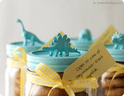 kid gift ideas with dinosaurs