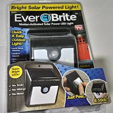 Ever Brite Lights Reviews Ever Brite Motion Activated Solar Power Led Light As Seen On Tv