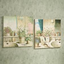 Wall Decor For Bathrooms