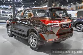 2016 Toyota Fortuner rear quarter at 2016 BIMS - Indian Autos blog