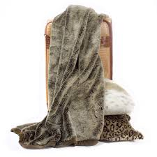 posh pelts  arctic fox throw – cocoa tipped