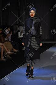 Designer Jakarta A Model Wears Creations By Indonesian Designer Sofie During The