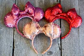 diy minnie mouse ear s on you and i had a really difficult time finding diffe colors of sequin fabric but sometimes you have to think
