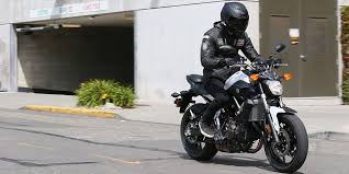 yamaha fz 07 first ride low light weight quality looks big deal revzilla