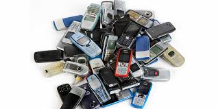 8 Iconic Cell Phone Designs From the Early 2000s | Architectural Digest