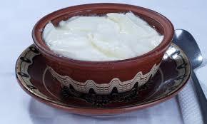 Резултат с изображение за изображения сирене кисело мляко