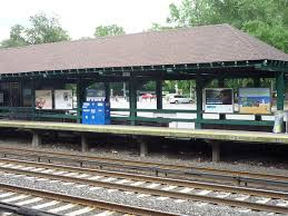 file botanical garden train station looking towards garden jpg