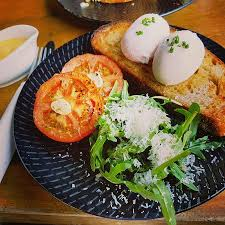 <b>Eggs</b> benedict with smoked salmon - Picture of Chef's <b>Palette</b> ...