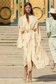 Nina Ricci Spring 2018 Ready-to-Wear Fashion Show | Fashion ...