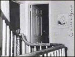 amityville la maison du diable l histoire de la maison hantée la plus connue du monde