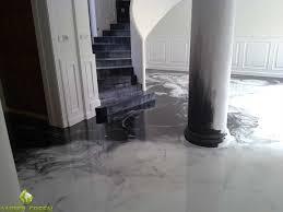 Pavimenti per interni in pvc resina gomma e parquet