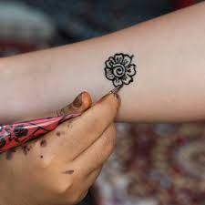 Tattoos-5 Key Differences between Permanent and Temporary Ones