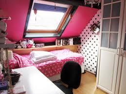 Teen hot pink room teen